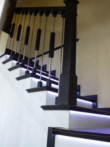 Лестница на второй деревянная