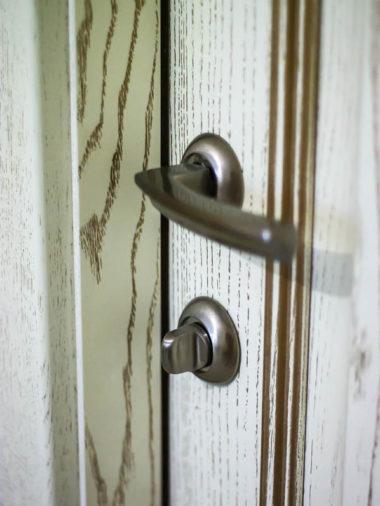 Деревянная дверь Севастополь