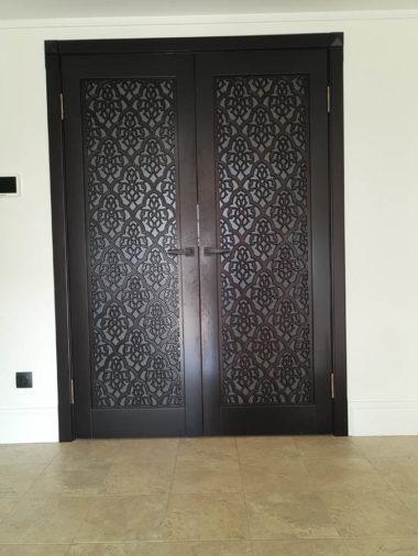 Деревянные двери Севастополь